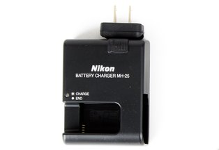 Nikon MH-25 Charger for EN-EL15 Battery