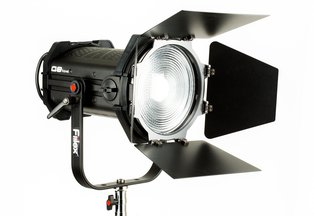 Fiilex Q8 Bi-Color LED Fresnel Travel Kit