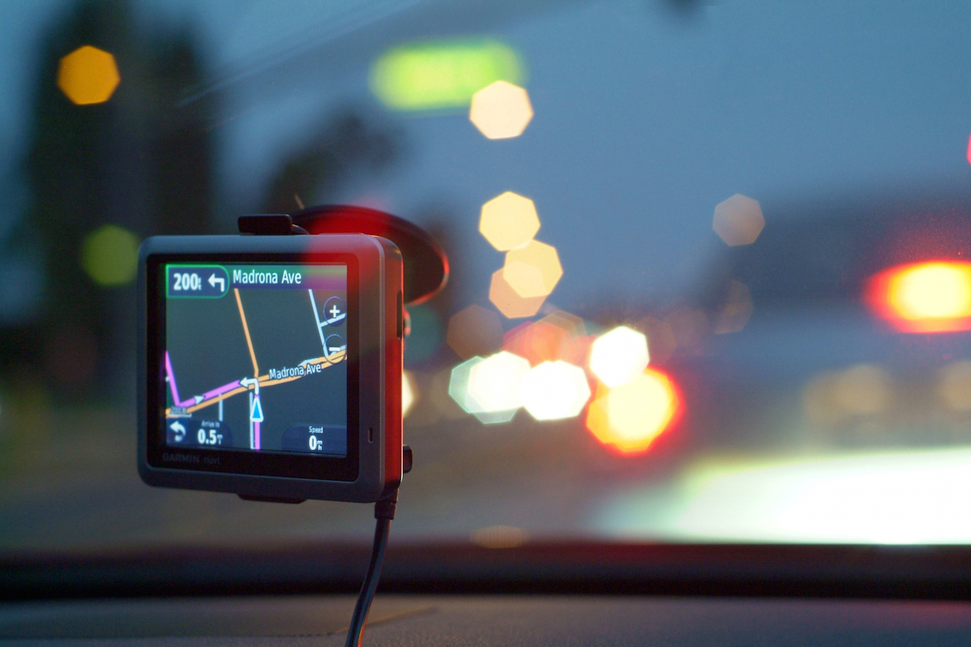 5 Ways To Use Tech To Keep Safe On The Road This Winter