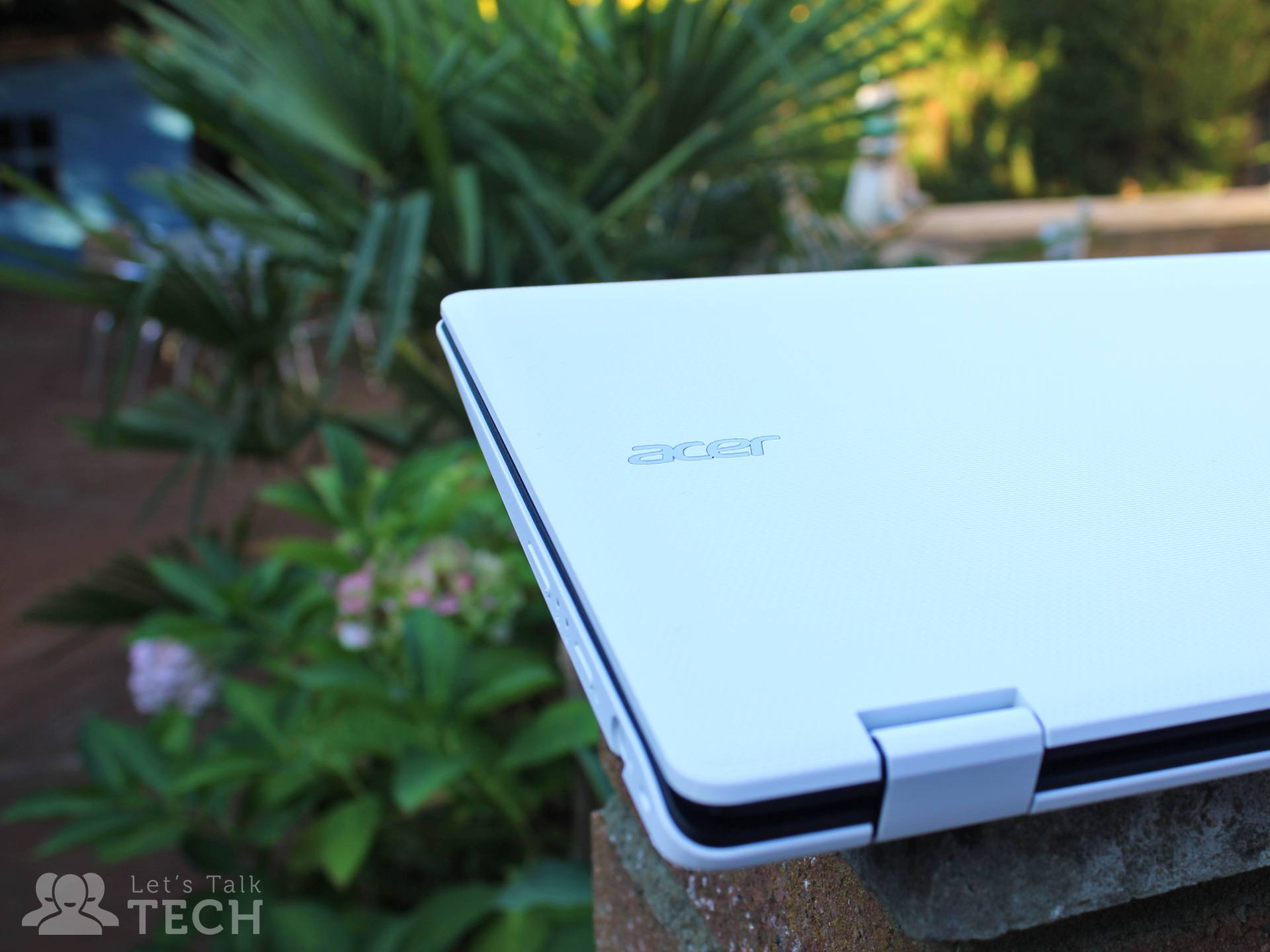 acer-aspire-r11-review-closed