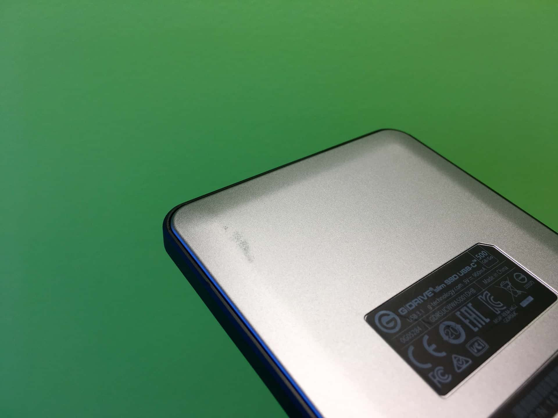 gtechnology-drive-slim-ssd-scuffs