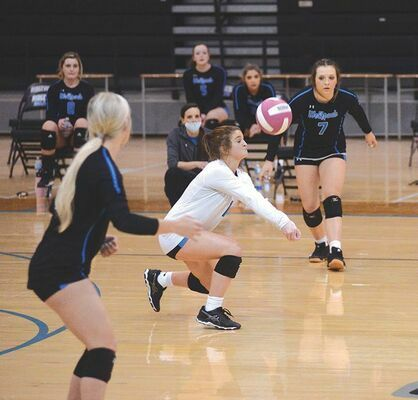 Libero Lorin Phipps added to her 1,000 digs as Ridgeview downed the Lady Bears for the first time in school history Monday. KELLEY PEARSON PHOTO