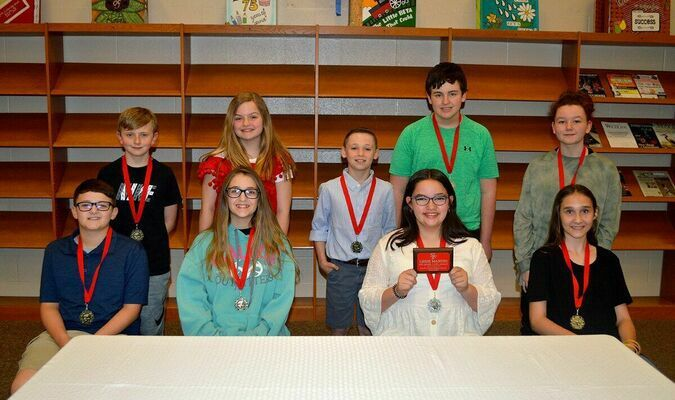 SOUTH FULTON MIDDLE SCHOOL ACADEMIC TOP TEN, SIXTH GRADE – Back row, left to right, Seth Dunn, Melanie Winstead, Mason Parrish, Gavin Dickson, and Shelby Stevens; front row, left to right, Caleb Stout, Brooke Burcham, Lexie Martin, who also received the 110% Award, and Callie Tucker. (Photo by Benita Fuzzelll)