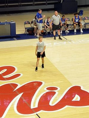 BULLDOGS ON THE COURT AT OLE MISS