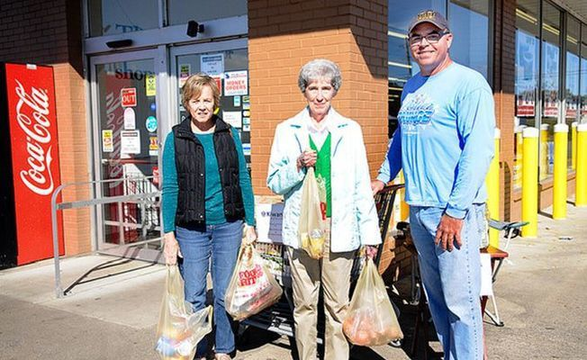 LOCAL KIWANIS CLUB FOOD DRIVE SUCCESS