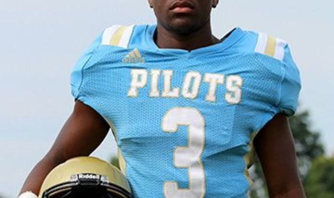 Fulton County Pilot Caleb Kimble had 23 carries for 194 yards and two touchdowns in the Pilots' season ending loss to Russellville Nov. 8. (Photo by Charles Choate)