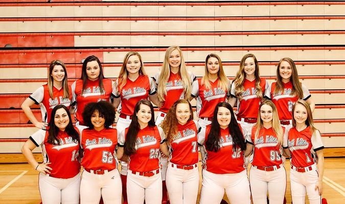 SOUTH FULTON HIGH SCHOOL 2020 LADY RED DEVILS –Pictured are members of the 2019-2020 South Fulton High School Lady Red Devils' softball team. Front row, left to right,Elizabeth Archie, Maddie Puckett, Mary Pitts, Aaliyah McKnight, Anna Rose Larson, Marli Buchanan, Lilly Holzner; back row, Halle Gore, Emily Meadows, Stasia Madding, Allison Murphy, Kaleigh Rickurt, Kanna Saddler, and Sophia McMinn. (Photo by Jake Clapper)
