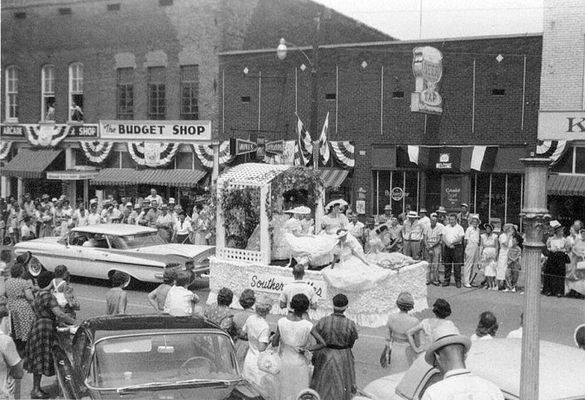 Best of the Fest photos submitted by Joan Homra, 1959 Centennial Parade