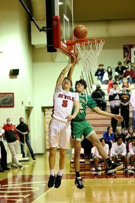 South Fulton senior Red Devil Beau Britt was up and in, toward two of his six field goals during home court action last week. Britt also tossed in a three pointer against Lake County. (Photo by Jake Clapper)