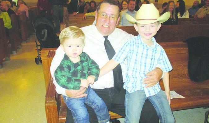 Dale Corbett and grandchildren.