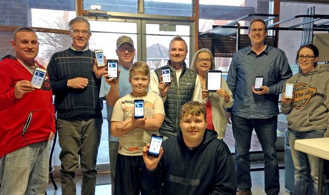 Lamar Democrat/Melody Metzger Several members of the S4 drug-free coalition are pictured with their phones showing the P3 app.