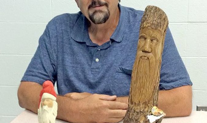 Ron Hager of Lamar entered two carvings at the Ozark Empire Fair in Springfield. He received first and second place respectively.