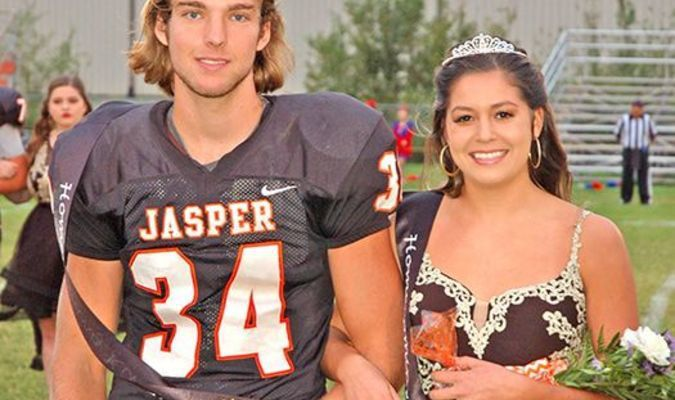 Lamar Democrat/Chris Morrow The Jasper Eagles are off to a terrific 4-0 start. Prior to their win over Appleton City Friday night, senior Caleb Brown was crowned 2018 homecoming king, while Kierstin Johnston was crowned queen.