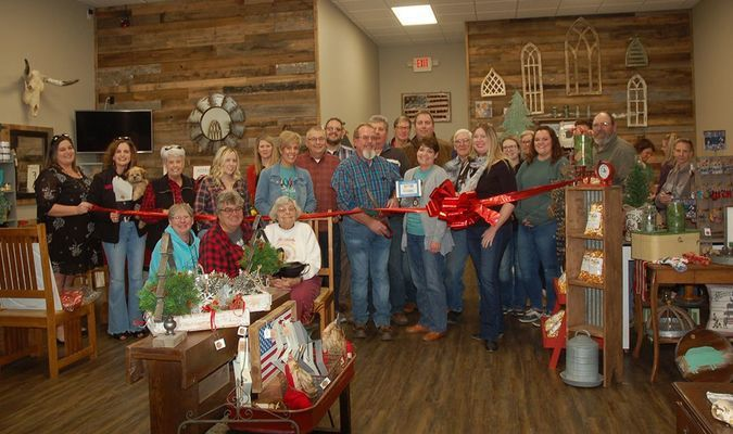 Lamar Democrat/Melody Metzger The Barton County Chamber of Commerce held a ribbon cutting at Vintage Chaos on Friday, Nov. 8, at 4 p.m. A full house was present for the Christmas open house and ribbon cutting celebration. Vintage Chaos is located at 37C SW 1st Lane, in Lamar.