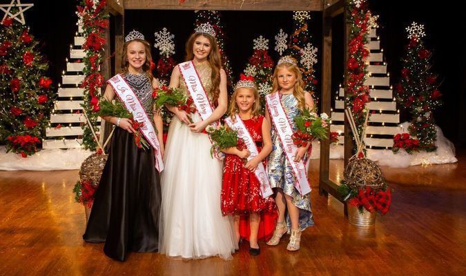 Photo courtesy of Jessica Edwards Photography Pictured left to right are Brenna Morey, Junior Miss Merry Christmas, daughter of Kent and Melissa Morey and sponsored by Lamar Bank and Trust Company; Elise Ferris, Miss Merry Christmas, daughter of Jerrad and Astra Ferris and sponsored by Barton County Chamber of Commerce; Harpor Steinkamp, Little Miss Merry Christmas, daughter of Jeff and Lindsay Steinkamp and sponsored by Trade Job Placement and Zoe Harris, Young Miss Merry Christmas, daughter of Christian and Tiffany Harris and sponsored by Harris Custom Installers.