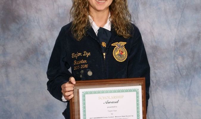 Taylor Dye of the Paris FFA Chapter was named a finalist in the GROWMARK essay contest at the 89th Missouri FFA Convention, April 20-21, 2017, in Columbia, Missouri. Students were asked to explain the importance of sustainability and its role in the agriculture industry. The essay contest was sponsored by GROWMARK, Inc.