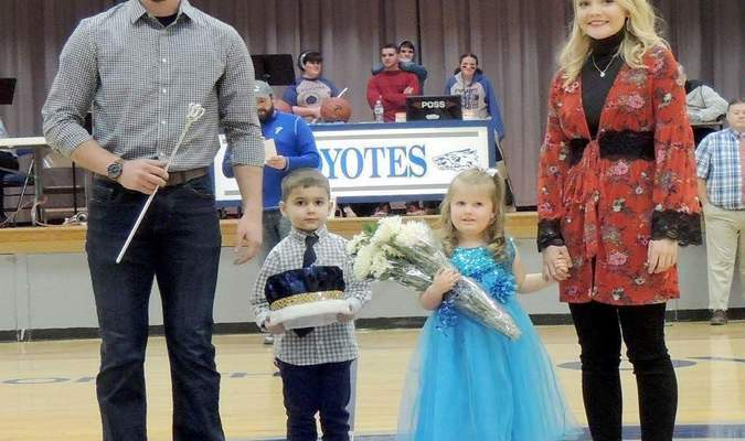 Left to right, 2017 Courtwarming King Brant Ensor, Crown Bearer Owen DeOrnellas, Flower Girl Kaylin Billington and 2017 Courtwarming Queen Betsy Embree. Brant and Betsy were on hand to crown their respective winners in this years Courtwarming. 2018 Courtwarming photos courtesy of Tony Miller