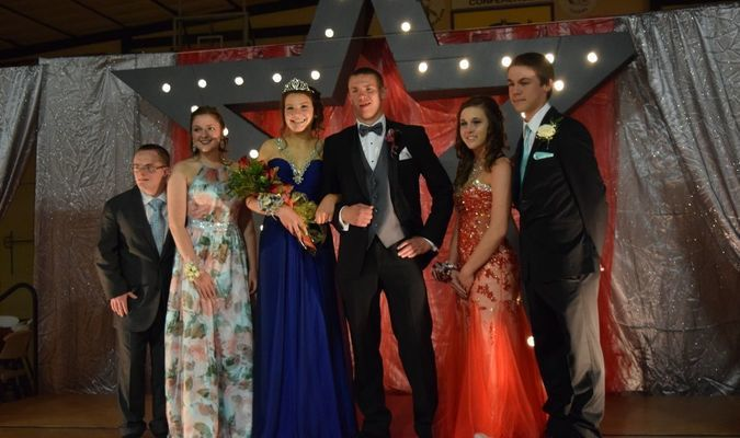 2nd Runner up Hannah Deaver and Edward Merzlak, Queen Giulia Pocaterra, King Danny Lamm,  1st Runner up, Terssa Morris and Joe Hulen