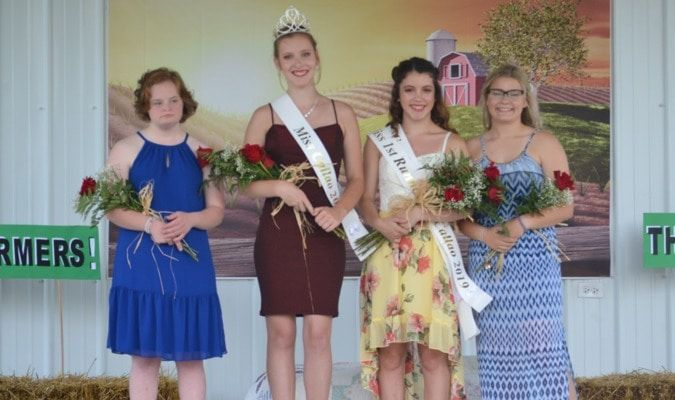The Miss Callao contest showcased four beautiful young ladies who were asked to present themselves in an outfit that expressed their individual personality.