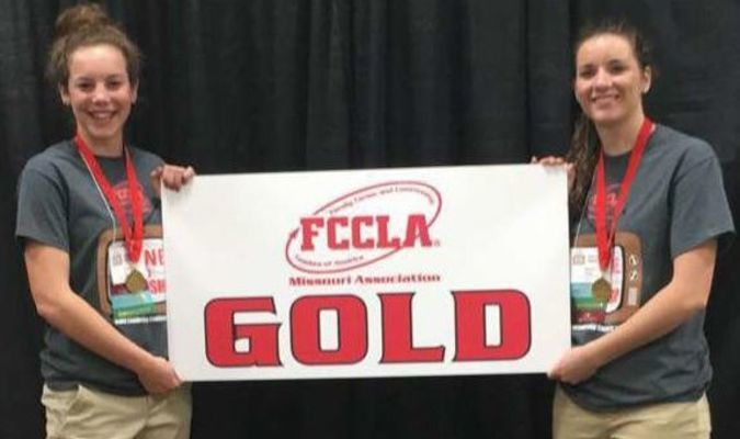 "Camrie Feinberg (La Plata) and Shana Oliver (South Shelby) earned a trip to the National FCCLA conference in Nashville, TN July 2-6 after their STAR event received a gold medal and  top  ratings  at  the  state  level.  Through  the  Macon  Early  Childhood  Vo-Tech  program they   presented   under   the   category,   Focus   on   Children.   Their   project   was   titled, ""Destination Santa's Workshop."""