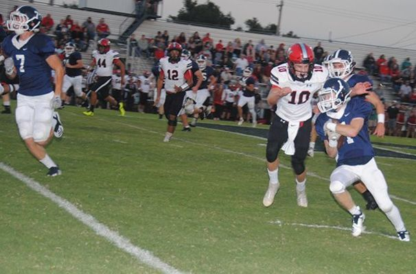 Marlow's Peyton Ladon picks up a big gain against Pauls Valley on Friday night.