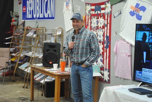 Kreg Murphree addresses the crowd at the Stephens County GOP Headquarters on Tuesday night.
