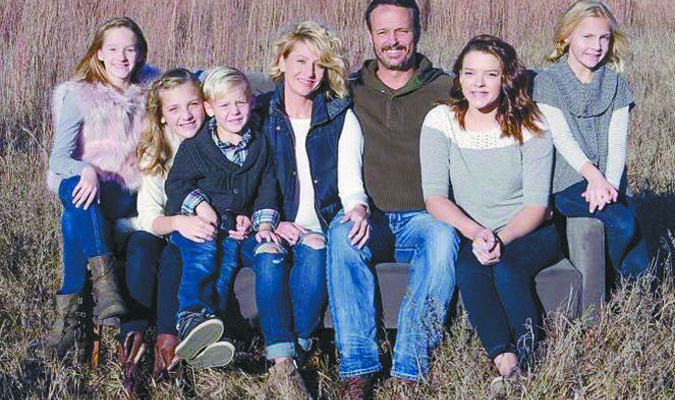BACK IN MARLOW: Eric Hennan is pictured along with his fiancée Sherah Davis and their children Ainsleigh, Hayden, Brisco, Lauren and Finley.