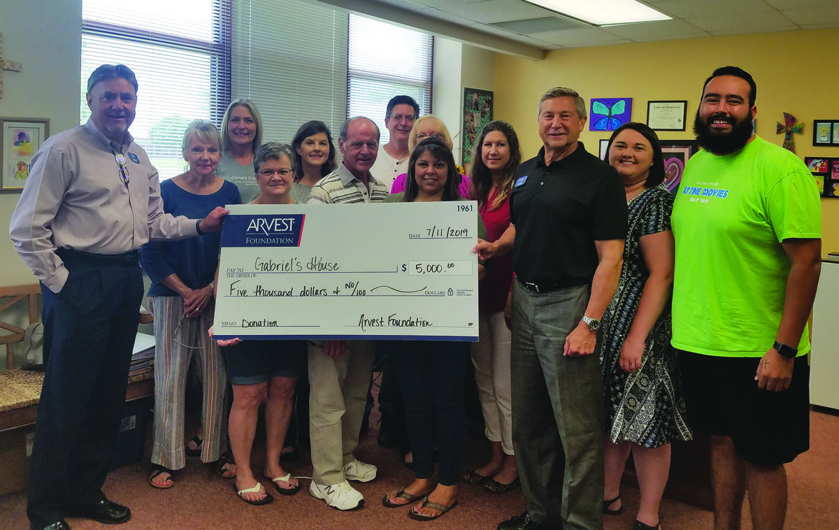 Arvest Bank makes $5,000 donation to Gabriel's House