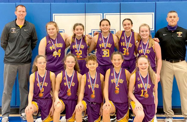 JEMS TROJANS TAKE HILLSBORO TOURNAMENT – The Lady Trojans of the John A. Evans Middle School took 1st Place at the Annual Hillsboro Invitational held this past week. The 8th Grade team members are, kneeling, from left, #2 McKayla Randall, #4 McKenna Randall, #1 Kaydence Alligier, #5 Ava Wright and #13 Addie Sansegraw; standing, from left, Coach Chris Kearbey, #44 Sophie Drennen, #32 Lilyan Bryan, #33 Aubree Wilson, #31 Ava Robart, #22 Lani Elder and Coach Josh Pullins. The JEMS teams begin play for the season this week against Bismarck and North County. (Sub. Photos)