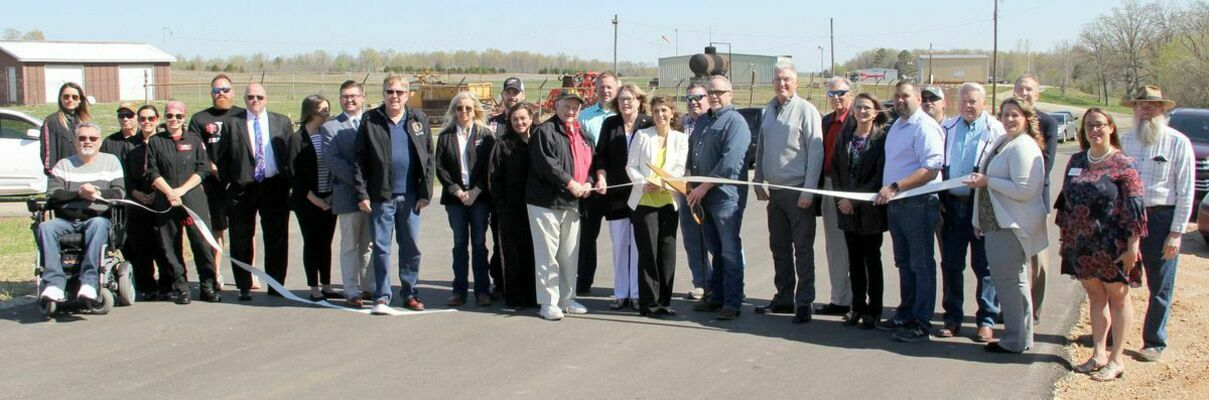 WASHINGTON COUNTY AIRPORT HELD RIBBON CUTTING FOR NEW ENTRY