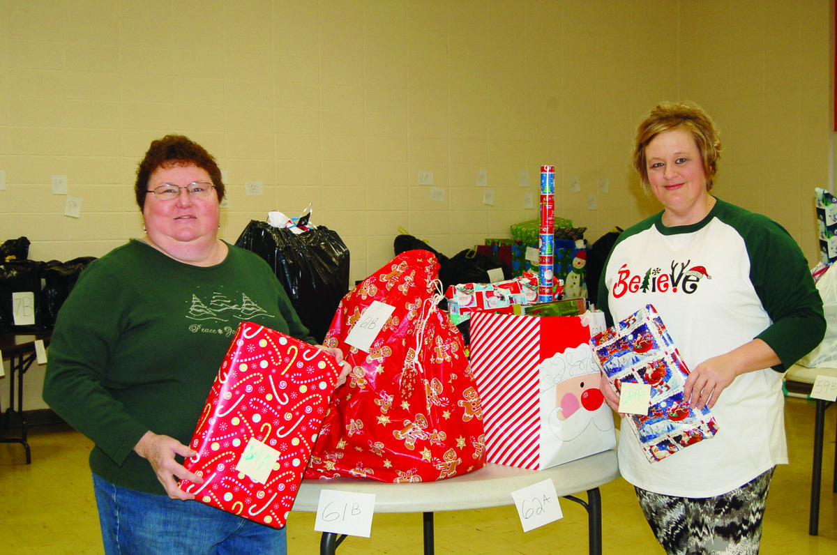Donors and Applicants Sought For Christmas Program