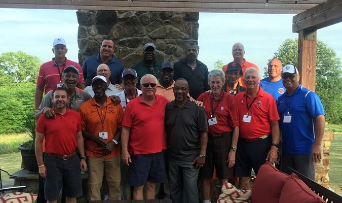 Over 25 Missouri Sports Hall of Fame Celebs joined Hannibal Regional supporters for the 9th Annual Shoeless Joe's Celebrity Golf Classic.