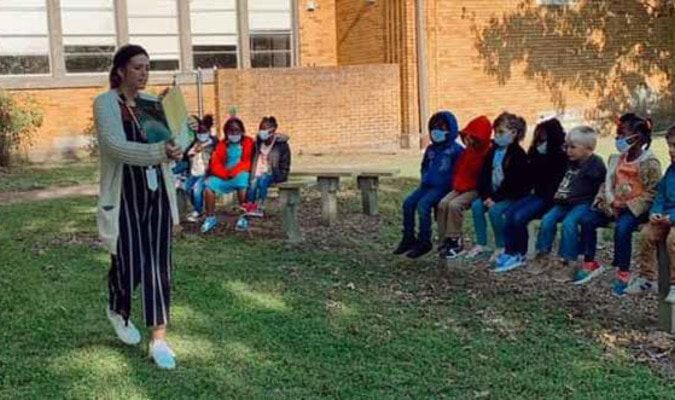 The Pre-K classes read a book outside on the new benches about Earth in celebration of Earth Day. Fun learning takes place at Fannindel Elementary School! Go Little Falcons! Ms. Fugett and Mrs. Duncan do a fantastic job!!