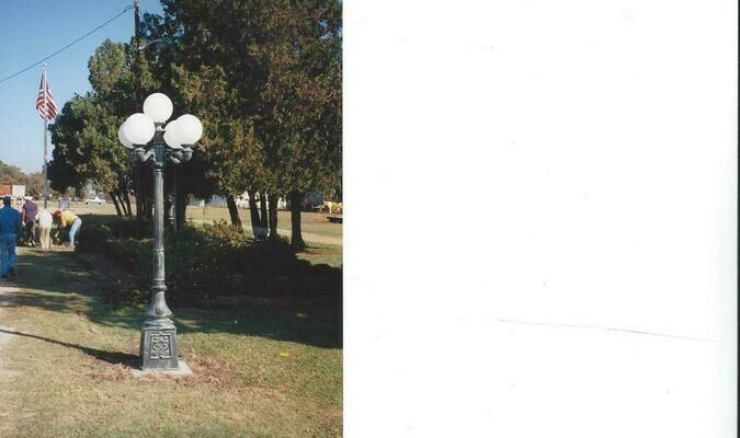 One of 30 Victorian lights lining the eastern side of Roxton's business district since 1997.