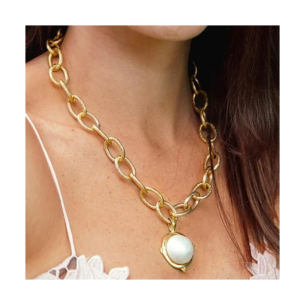 Susan Shaw Jewelry Cotton Pearl Cab Chain Necklace (3831W)