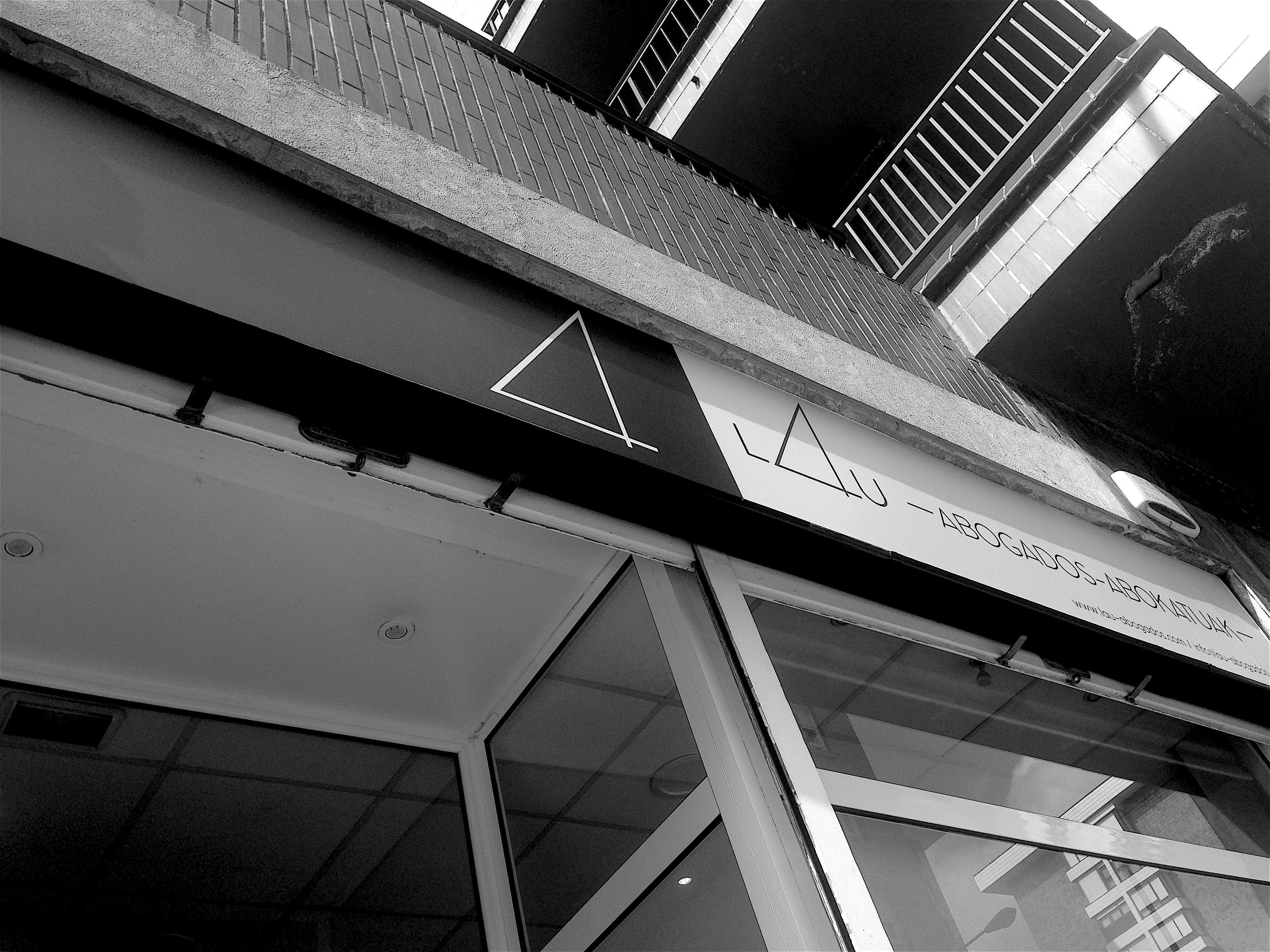 Nuestro Despacho en Santutxu a pie de calle