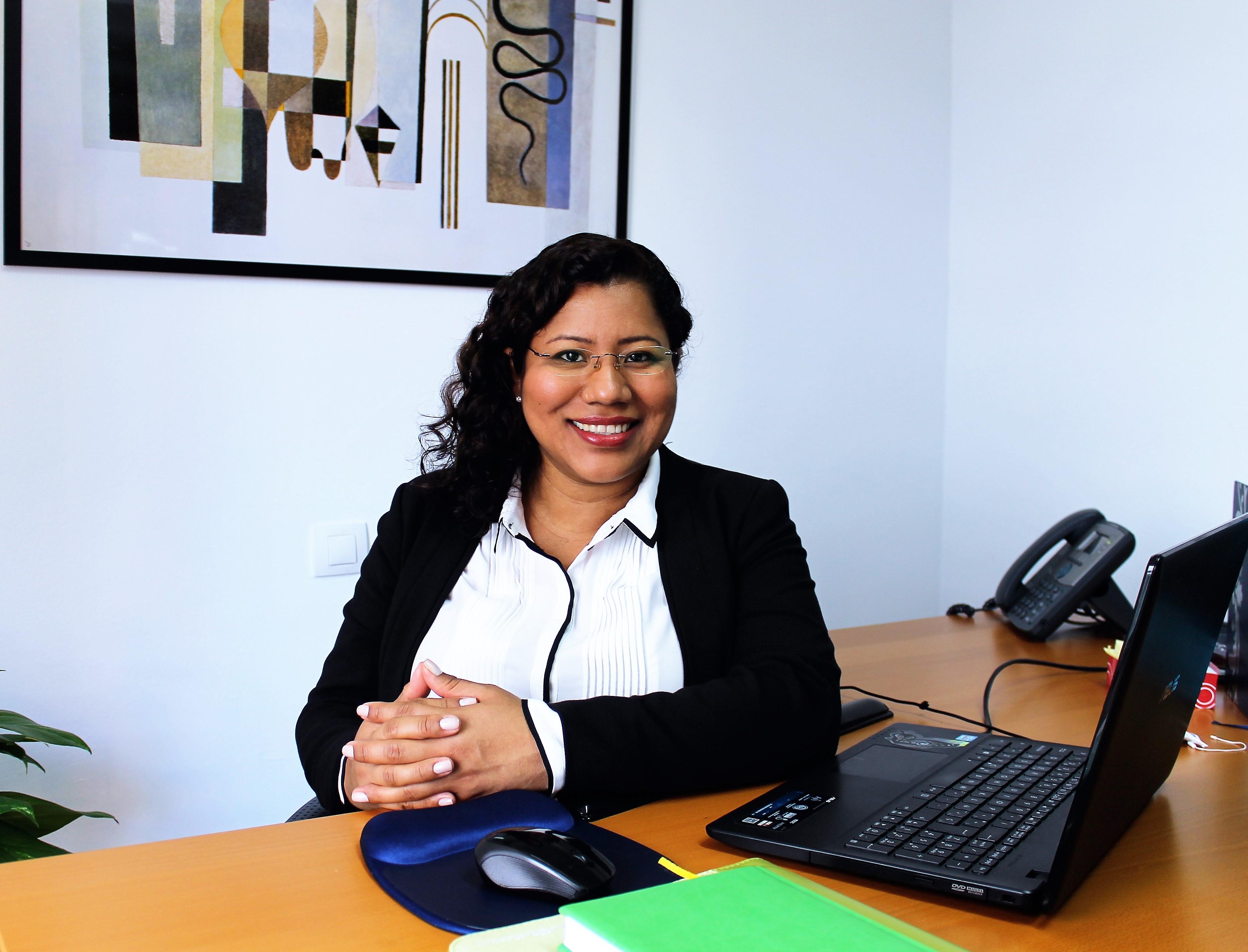 Abogada Rosangélica Ticay Rivas
