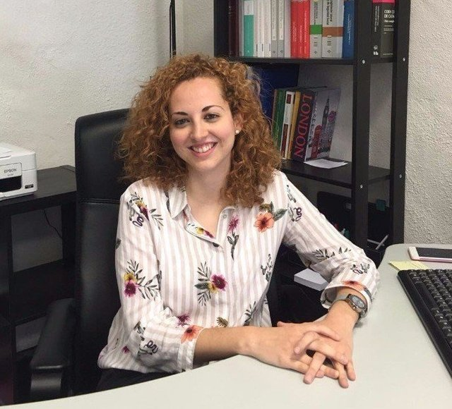 Estefanía Fernández Abg.