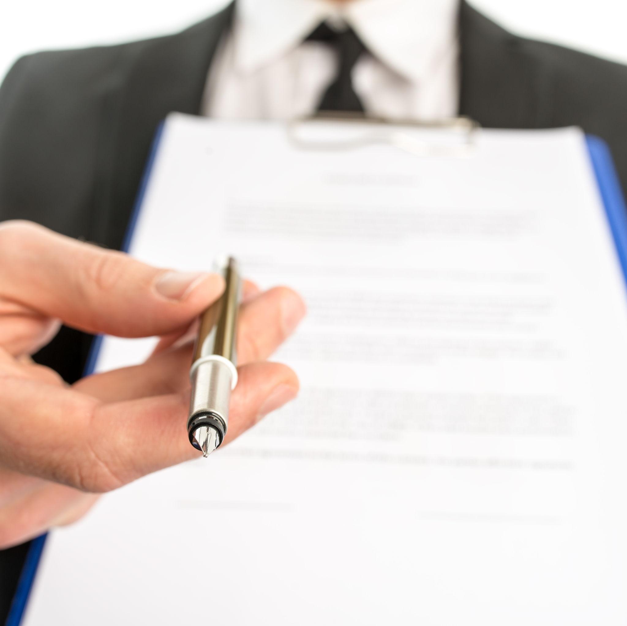 Redacción y revisión de contratos