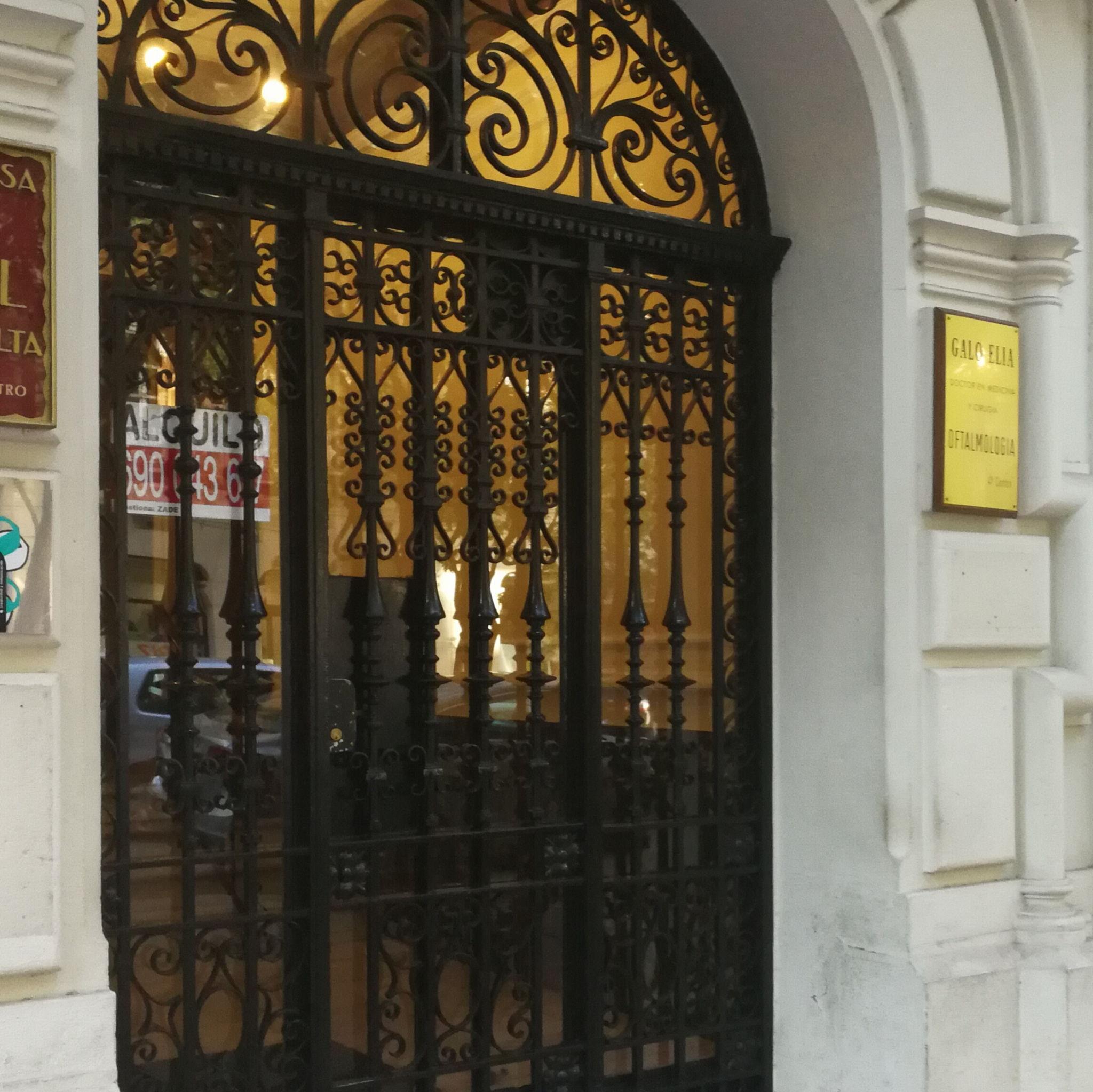 Portal en calle Joaquín Costa 3 de Zaragoza