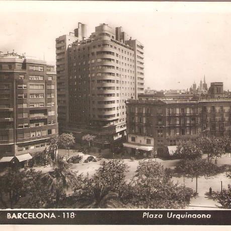 Despacho en plaza Urquinaona