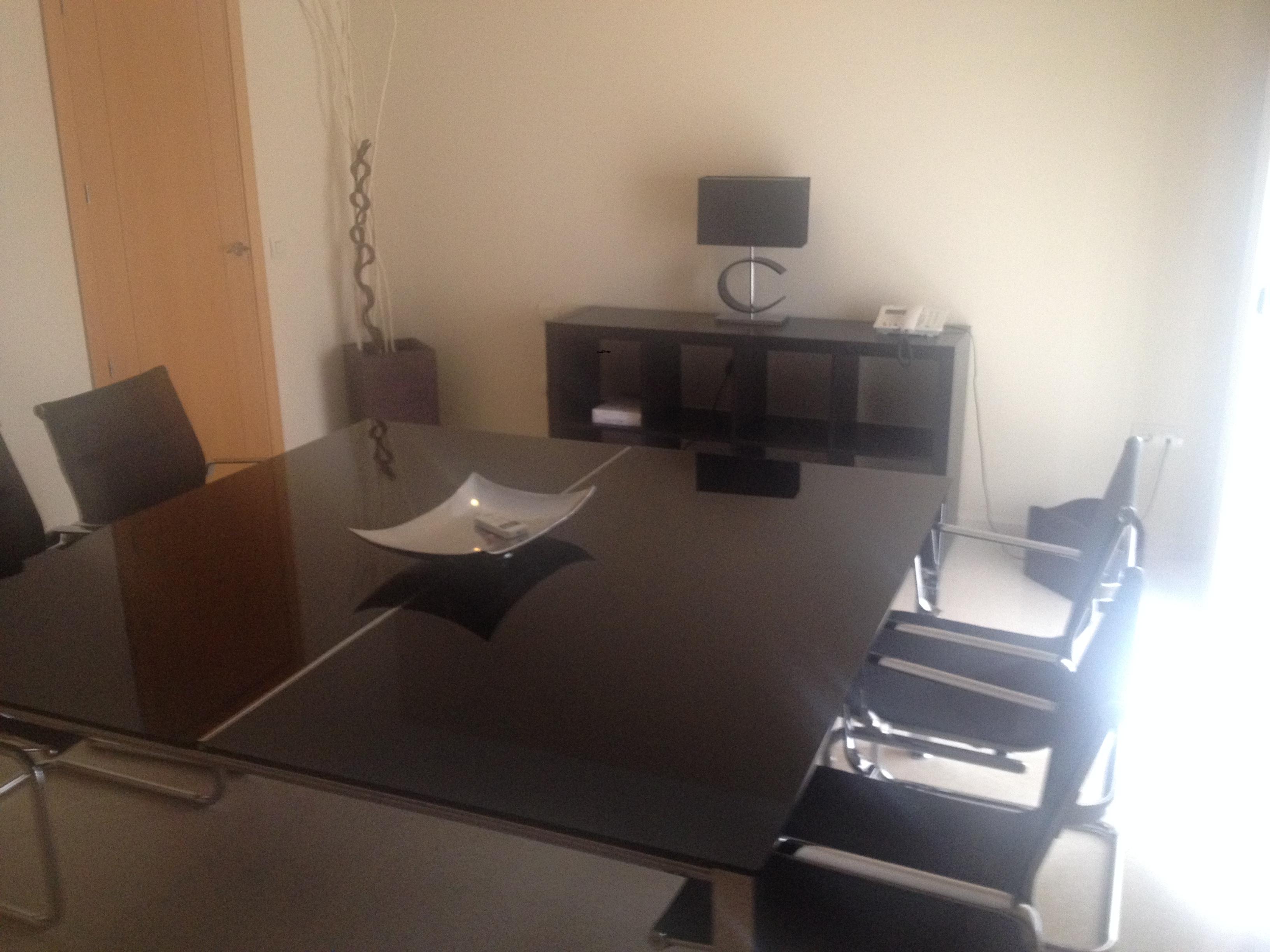 sala de reuniones del despacho