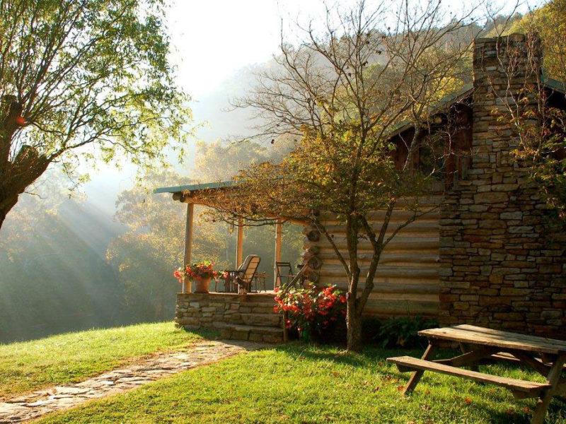 Bare farm cabin lexington virginia for Cabins in lexington va