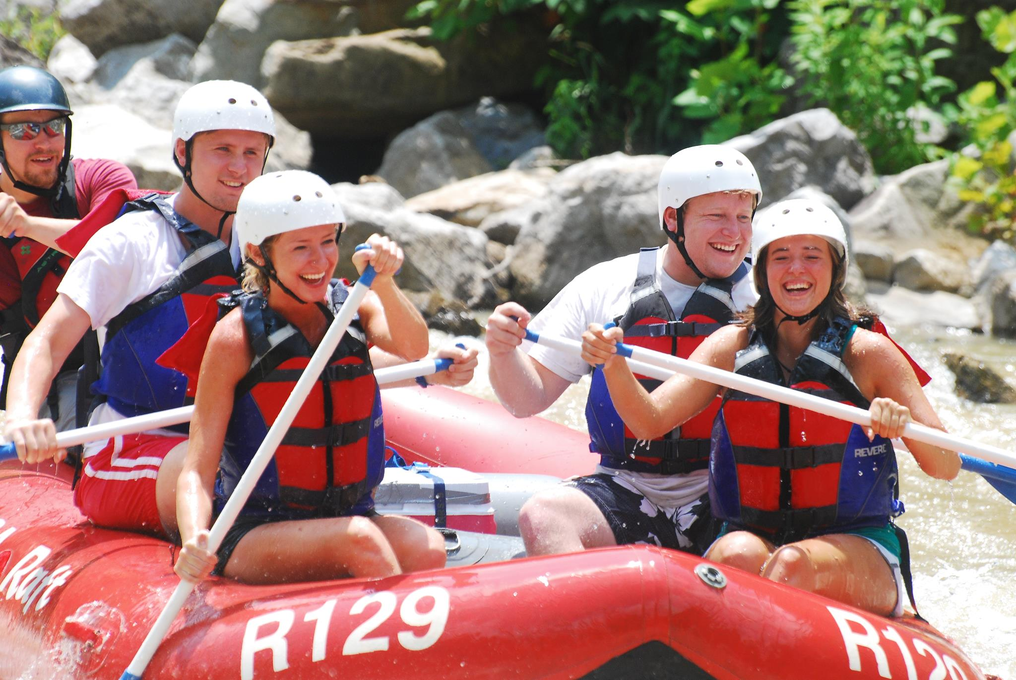 Usa raft footer1 local flavor avl visit explore recreation asheville
