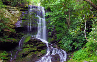 Top 60 waterfalls guide by romanticashevillecom footer1 local flavor avl visit explore recreation asheville