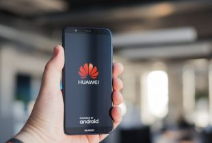 Google Trashes Huawei's Business