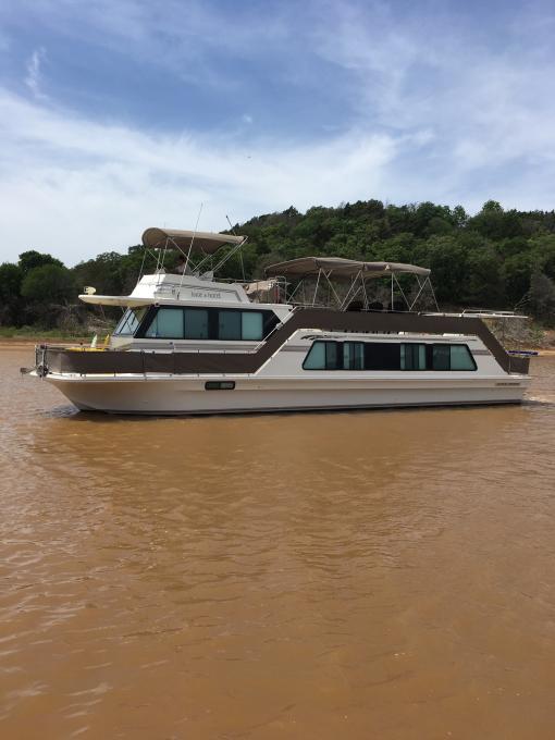 Houseboat Lake Texoma
