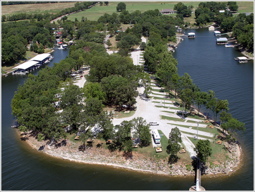 Grand lake rv camping in oklahoma water s edge rv cabin for Camping cabins in oklahoma
