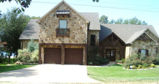 Pleasant Luxury Cedar Creek Lakehouse Sleeps 18 Comfortably Home Interior And Landscaping Transignezvosmurscom