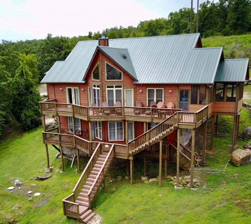 Midwest Luxury Lake Homes: Lakefront Luxury 4 BR/3.5 BT-Sleeps 12/Pet Friendly-Vista
